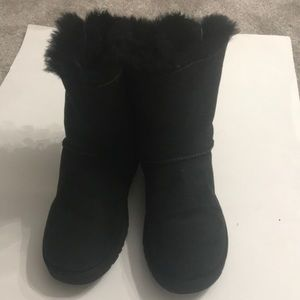 Ugg boot size 9 black in Excellent shape